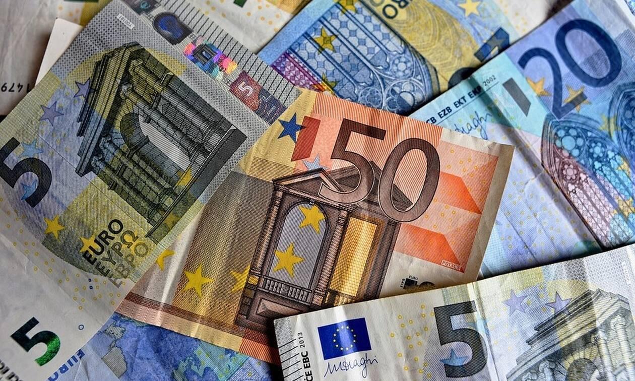 Έρχεται μπαράζ πληρωμών την Παρασκευή: Ποιοι θα δουν χρήματα στους λογαριασμούς τους