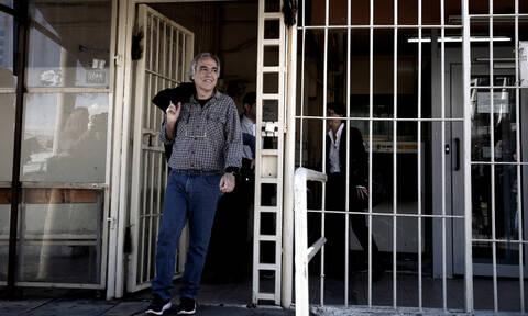 Ανατροπή με Κουφοντίνα: Αναιρείται το βούλευμα για τη μη χορήγηση άδειας