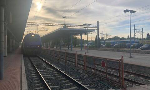 Αθήνα – Λάρισα σε 2 ώρες και 29 λεπτά: Αυτό είναι το τρένο που αλλάζει τα ταξίδια (pics)