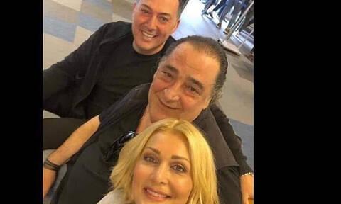 Καρράς-Θεοδωρίδου-Μακρόπουλος: Η συνάντηση στο αεροδρόμιο και η «τρέλα» για… το σχήμα της χρονιάς