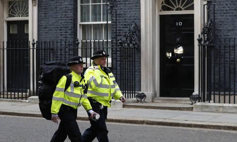 Συναγερμός στο Λονδίνο για «ύποπτο» αντικείμενο κοντά σε εκλογικό κέντρο