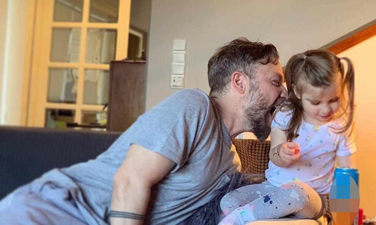 Γιάννης Βαρδής: Η συγκινητική φωτογραφία με τον πατέρα του και την κόρη του (pics)