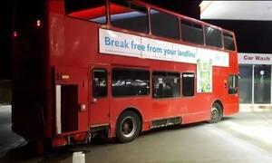 Έπος! Άνδρας έκλεψε δημόσιο λεωφορείο και πήγε για… μπύρες! (photos)