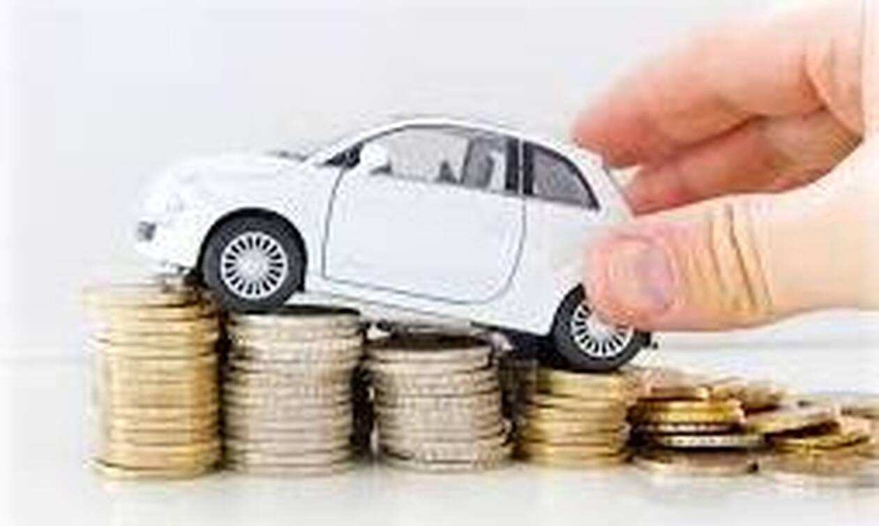 Τρομερή! Αγόρασε αμάξι με τρεις σακούλες κέρματα (photos)