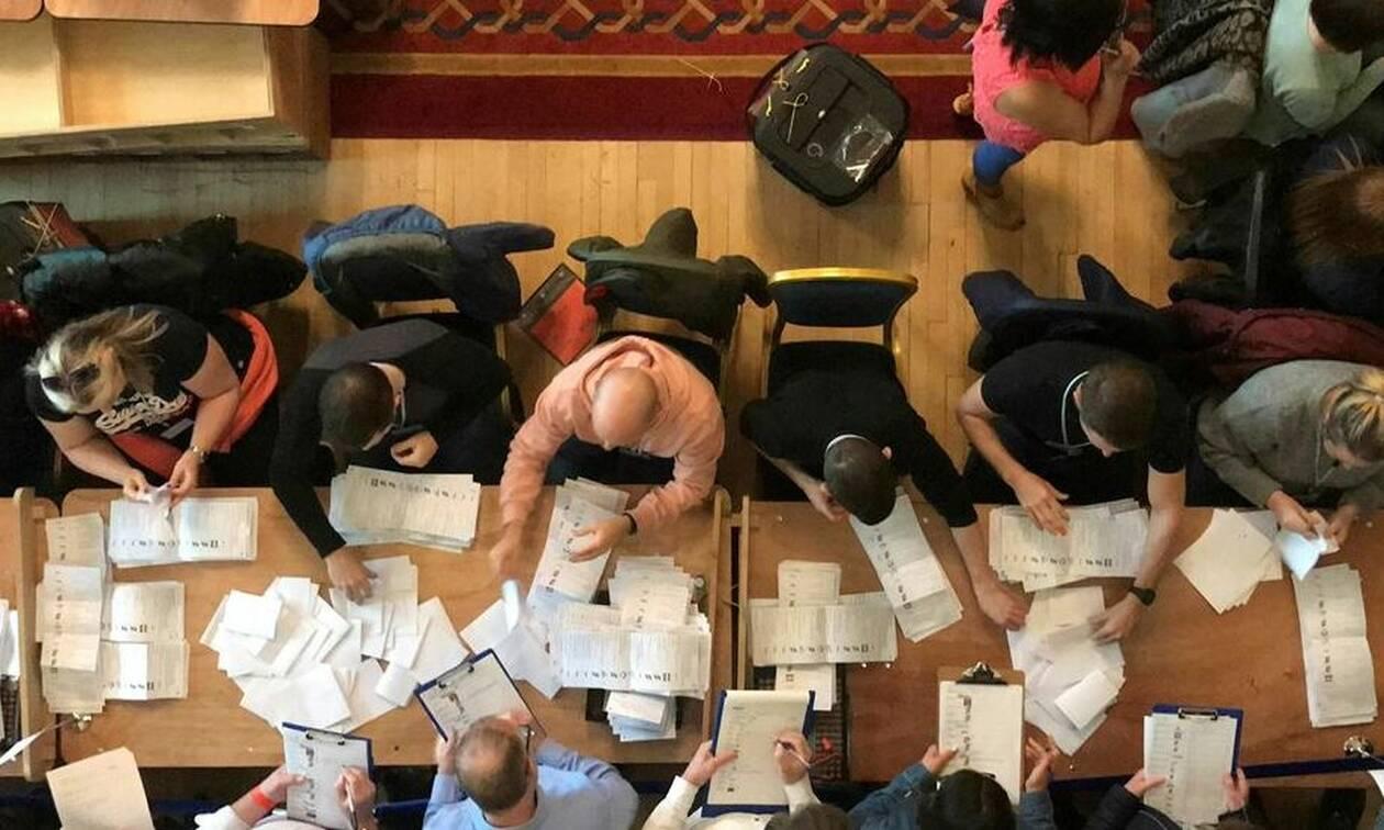 Ευρωεκλογές 2019: Στις κάλπες Τσέχοι και Ιρλανδοί