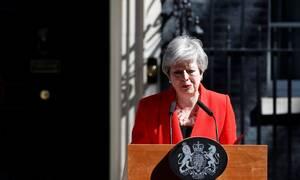 Ραγδαίες εξελίξεις στη Βρετανία: Το Brexit «λύγισε» τη Μέι - Ανακοίνωσε την παραίτησή της (vid)
