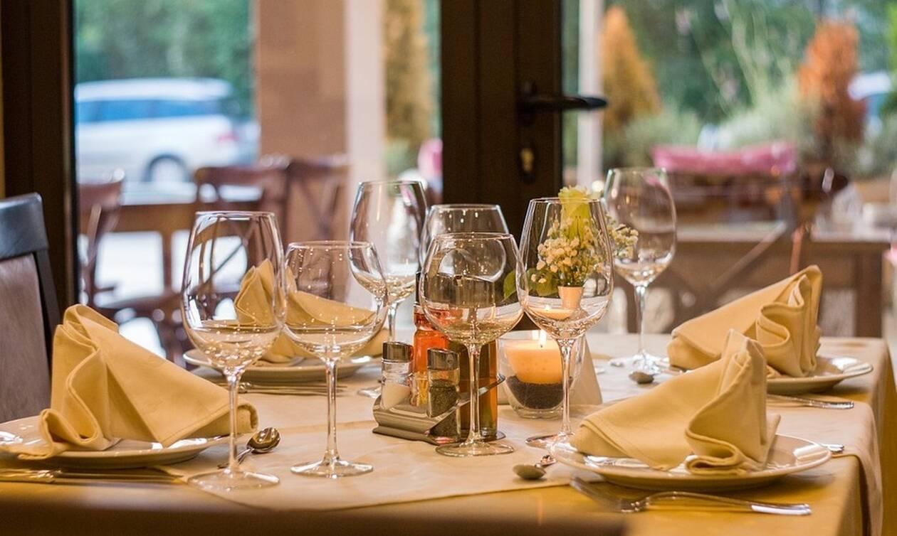 Θρίλερ σε εστιατόριο: «Πάγωσε το αίμα» των πελατών – Δείτε τι συνέβη (pics)