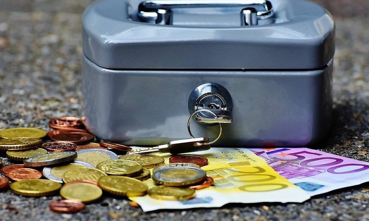 Επίδομα ΟΑΕΔ: Δείτε αν δικαιούστε έως 720 ευρώ