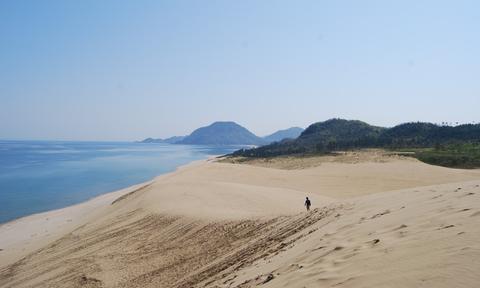 Ιαπωνία: Βαριά πρόστιμα για γκράφιτι στην άμμο