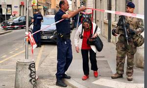 Σοκάρουν οι μαρτυρίες στην Λυών: Αναζητείται ως ύποπτος νεαρός ποδηλάτης