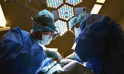 Έπαθαν ΣΟΚ οι γιατροί με αυτά που βρήκαν στο στομάχι του