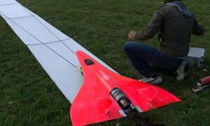 Εκπληκτικό! Αεροπλανάκι πιάνει τα 727 χλμ/ώρα! (vid)