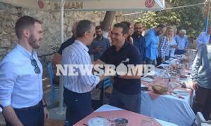 Εκλογές 2019: Σε ουζερί στο Κερατσίνι με δημοσιογράφους ο Τσίπρας