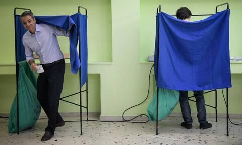 Εκλογές 2019: Απίστευτη ομοιότητα - Δείτε το γιο του Κυριάκου Μητσοτάκη (pics)