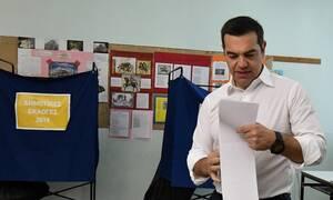 Εκλογές 2019: Το «ατύχημα» του Τσίπρα στην κάλπη που δεν πήρε χαμπάρι κανείς (pics)