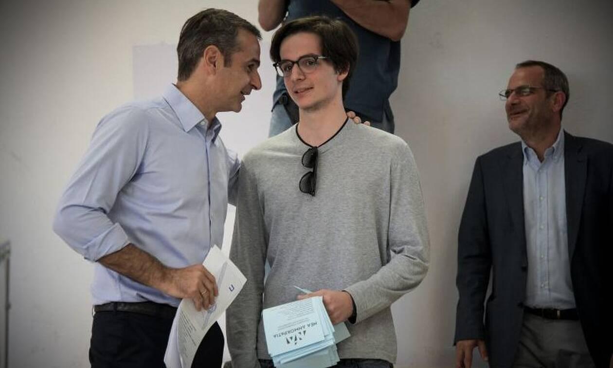 Εκλογές 2019: Η απίθανη ερώτηση του Κυριάκου Μητσοτάκη στο γιο του λίγο πριν ψηφίσει!