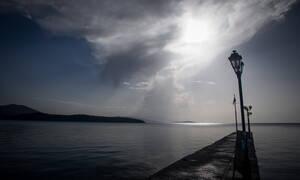 Καιρός τώρα: Με νεφώσεις, λίγες βροχές και άνοδο της θερμοκρασίας η Δευτέρα (pics)