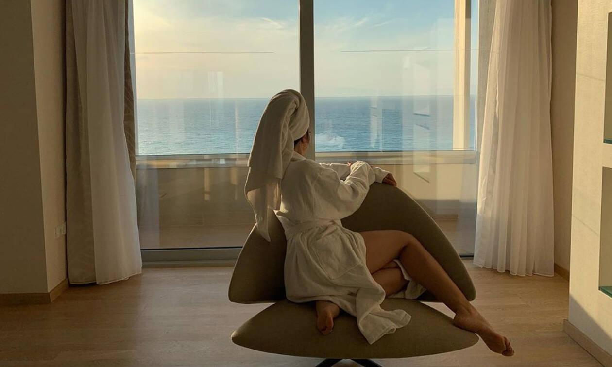 Ελληνίδα τραγουδίστρια, μητέρα δύο παιδιών, τρέλανε το Instagram με αυτή τη φωτογραφία της (pics)