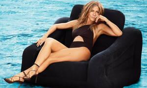 Βρήκαμε τα πέδιλα της Jennifer Aniston