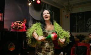 Ζωζώ Σαπουντζάκη: Η αγέραστη «βασίλισσα της νύχτας» και η ζωή σαν... παραμύθι (pics+vid)