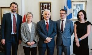 Ελληνικός Ερυθρός Σταυρός: Ενισχύονται οι υπηρεσίες αποκατάστασης οικογενειακών δεσμών