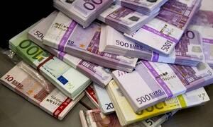 Πρεμιέρα σήμερα (28/5) για τα νέα χαρτονομίσματα των 100 και 200 ευρώ