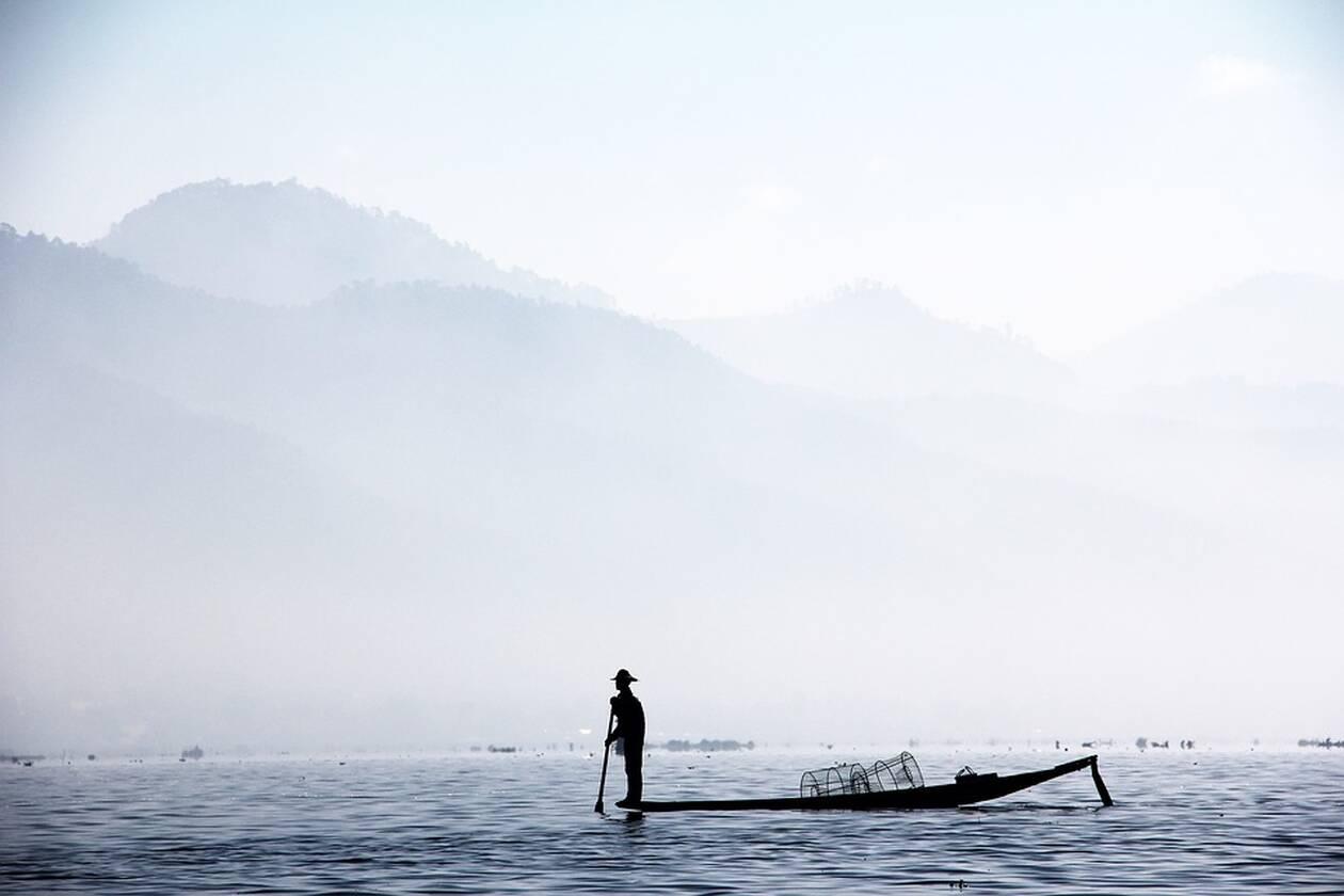 fisherman-1559753_960_720.jpg
