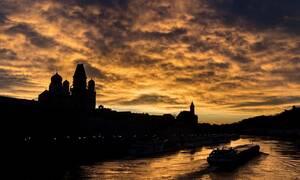 Βουδαπέστη: Πλοιάριο αναποδογύρισε στον Δούναβη - Αγωνία για δεκάδες επιβάτες