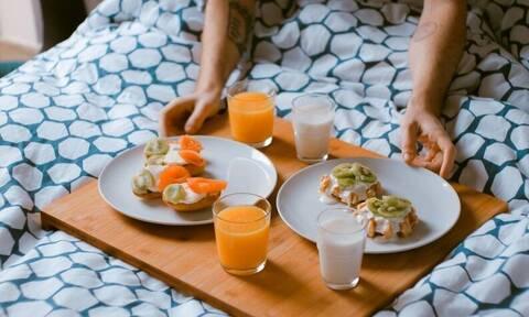 Οι πέντε τροφές που καταπολεμούν τη στυτική δυσλειτουργία