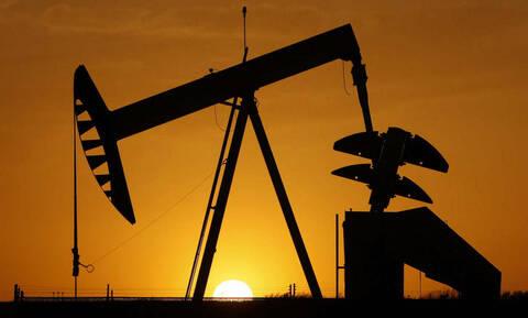Οριακά κέρδη στη Wall Street - Νέα μεγάλη πτώση στην τιμή του πετρελαίου