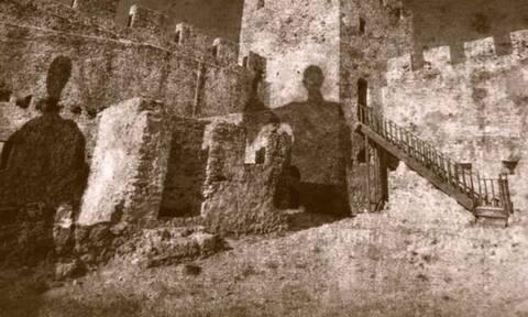 Δροσουλίτες: Ένας μύθος που ζωντανεύει στο Φραγκοκάστελο της Κρήτης κάθε χρόνο τέτοια εποχή