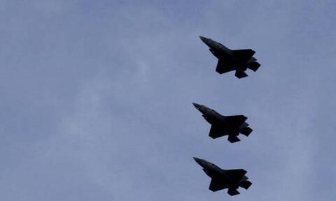 F-35 «ζωγράφισαν» αντρικό μόριο στον ουρανό και η πολεμική αεροπορία… απολογείται!