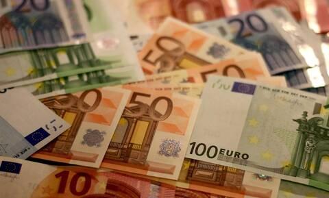 Δημόσιος υπάλληλος κατηγορείται για υπεξαίρεση 88.000 ευρώ: «Άφωνοι» με την απολογία της (pics)