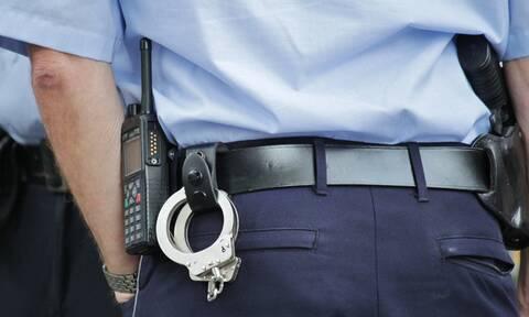 Παντρεμένος αστυνομικός πιάστηκε στα πράσα με γυναίκα ποδοσφαιριστή σε πάρκινγκ (photo)