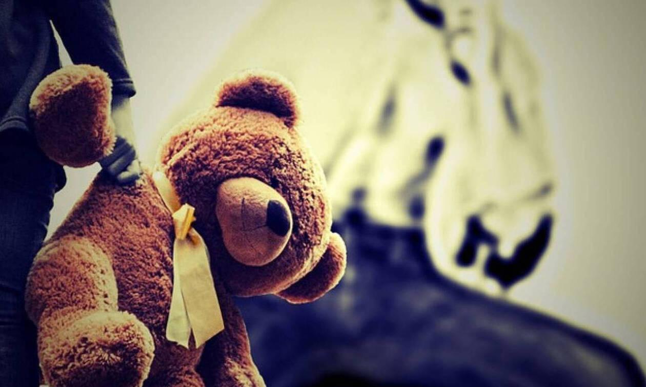 ΣΟΚ στο Ηράκλειο: Ηλικιωμένος φέρεται να ασέλγησε σε 13χρονη έξω από εκκλησία