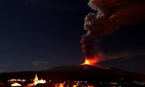 Αίτνα: Το ψηλότερο ενεργό ηφαίστειο της Ευρώπης «ξύπνησε», τρομάζει και προκαλεί συναγερμό