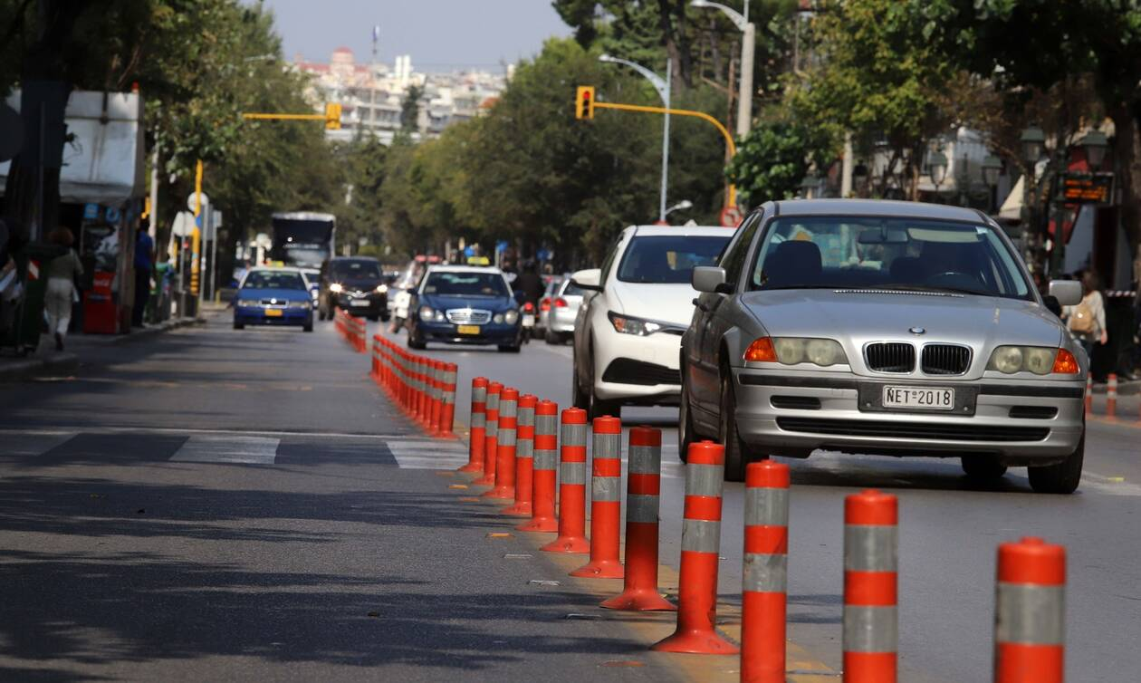 Οδηγός – δημόσιος κίνδυνος: Σκόρπισε τον τρόμο με αυτά που κουβαλούσε (pics)