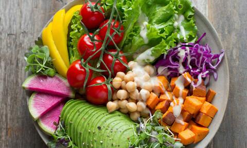 Τι είναι η δίαιτα pegan και γιατί είναι αυτήν τη στιγμή στη μόδα;