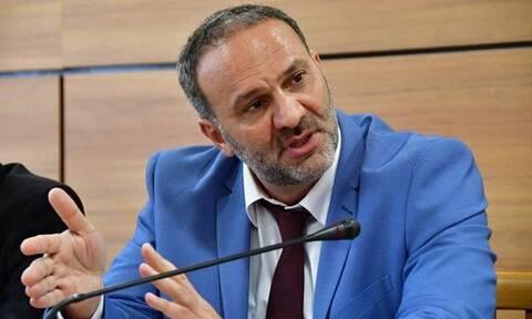 Ξύλο σε εκλογικό κέντρο - Στα χέρια ο πρώην υπουργός, Νίκος Μαυραγάνης, με τοπικό παράγοντα