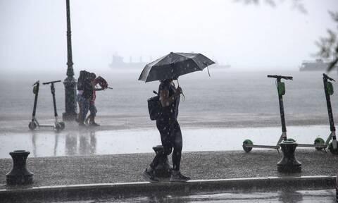 Έκτακτο δελτίο επιδείνωσης του καιρού: Καταιγίδες και χαλάζι θα πλήξουν τη χώρα