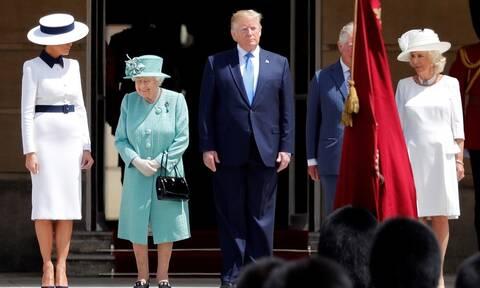Λονδίνο: Λαμπρή υποδοχή του Τραμπ στα ανάκτορα του Μπάκιγχαμ (pics+vid)