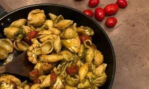 Η συνταγή της ημέρας: Μακαρόνια αχιβάδα με πέστο και κουνουπίδι