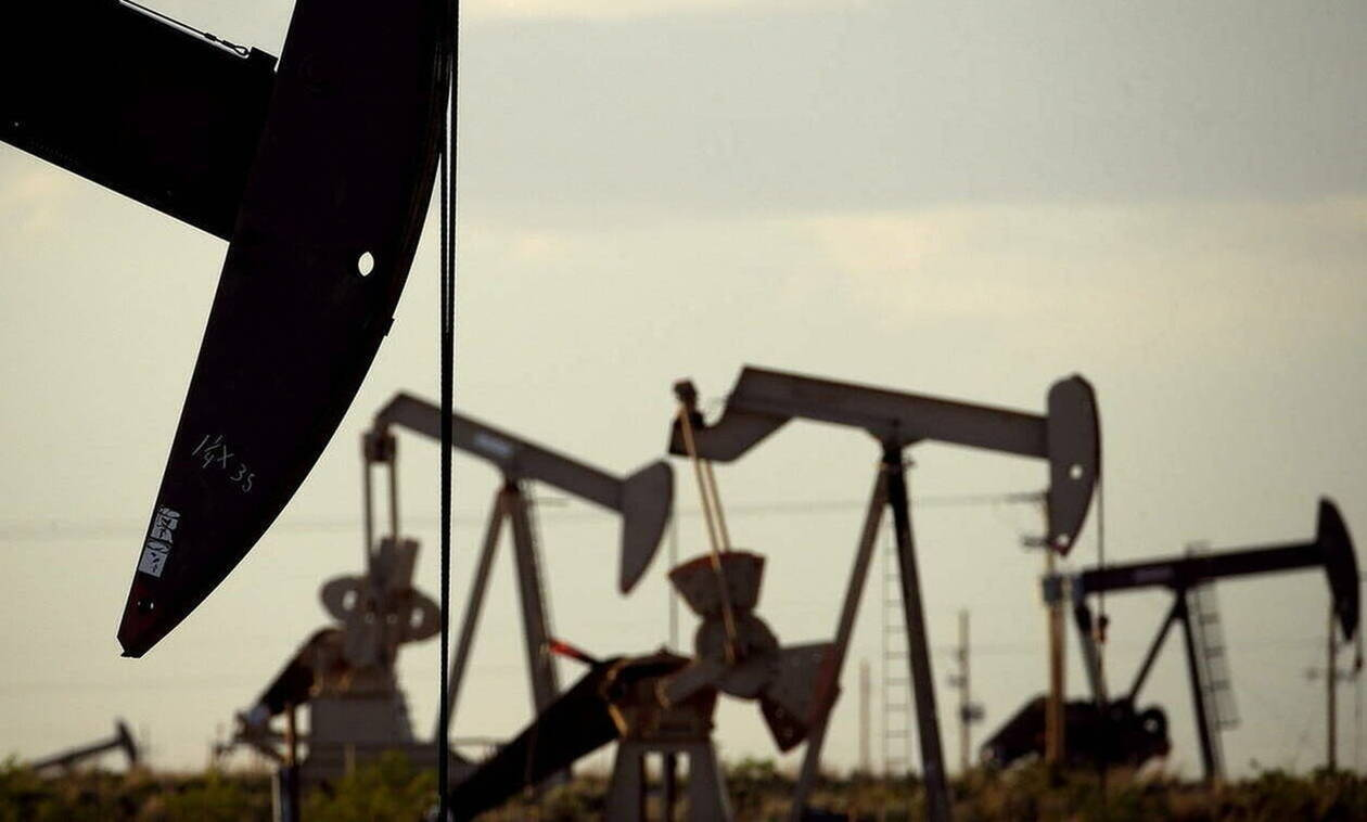 Μικτές τάσεις στη Wall Street - Χωρίς τέλος η πτώση στην τιμή του πετρελαίου