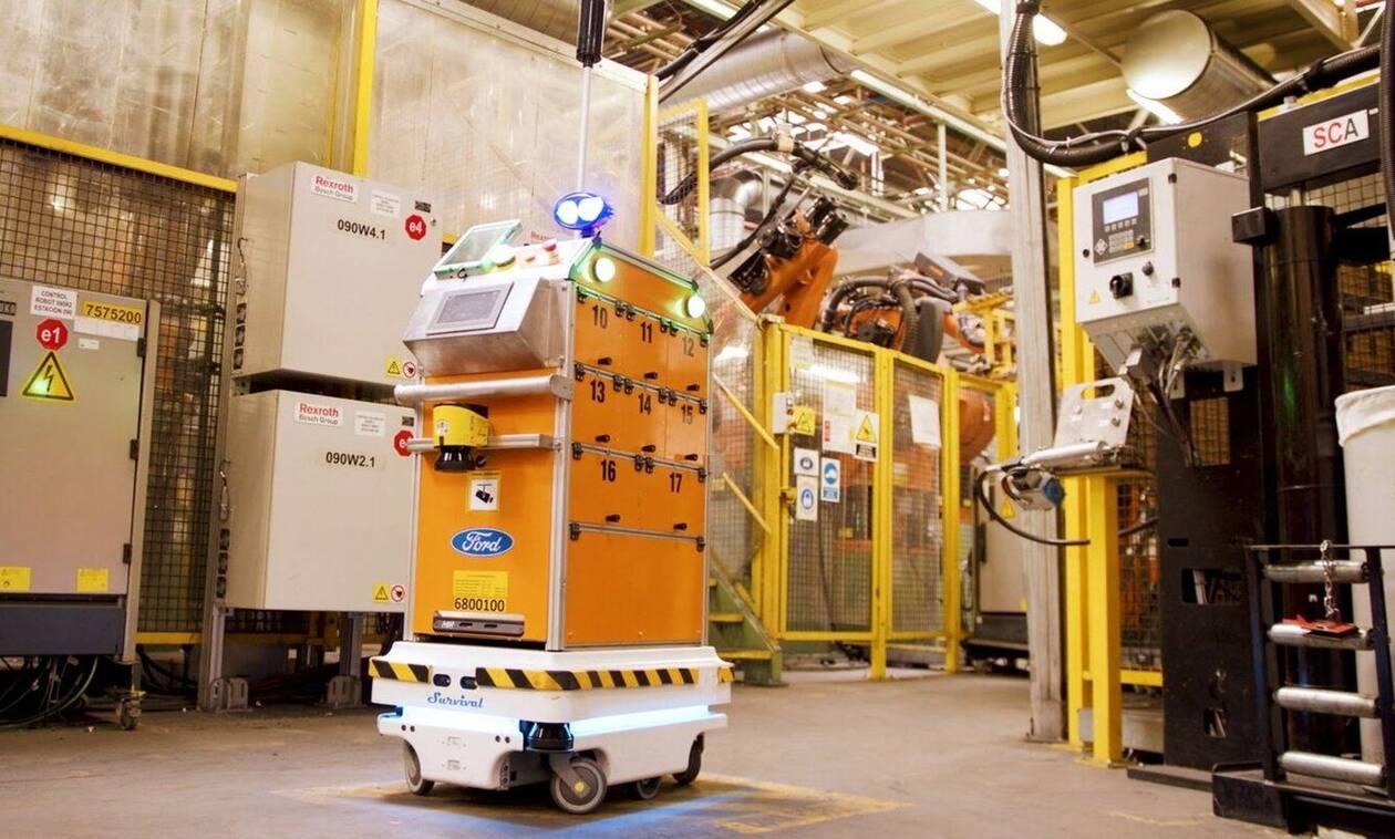 Ένα ρομπότ που κινείται αυτόνομα κάνει πιο εύκολη τη ζωή των εργαζομένων της Ford