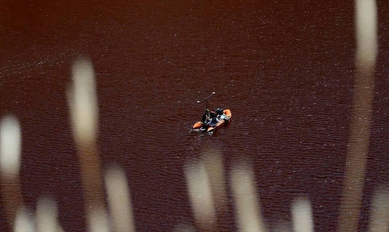Serial killer – Κύπρος: Εντοπίστηκε και ανασύρεται η τρίτη βαλίτσα θανάτου από την Κόκκινη Λίμνη