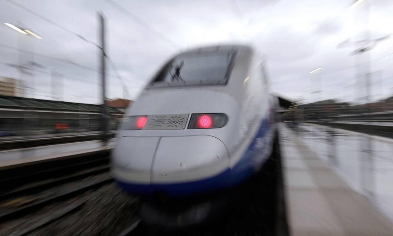 Τρένο παρέμεινε ακινητοποιημένο για 6 ώρες μέσα σε σήραγγα - Απίστευτη ταλαιπωρία για τους επιβάτες