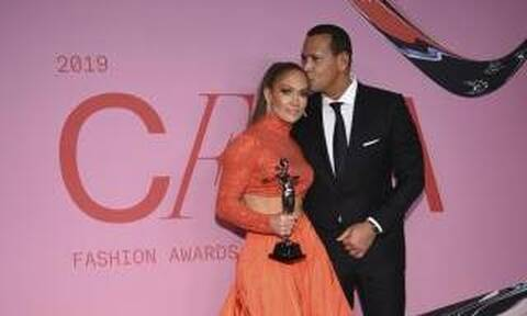 CFDA Fashion Awards: Οι δύο εντυπωσιακότερες παρουσίες ήταν η JLo και η Brooke Shields