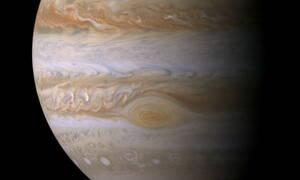Μοναδικές στιγμές: Ο Δίας «συναντά» τη Γη - Δείτε στον ουρανό ένα σπάνιο υπερθέαμα! (pics)