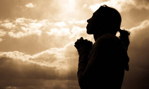 Αλλάζει στίχος του «Πάτερ Ημών» - Δείτε γιατί
