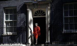 Μεγάλη Βρετανία: Αποχωρεί από την ηγεσία των Τόρις η Τερέζα Μέι
